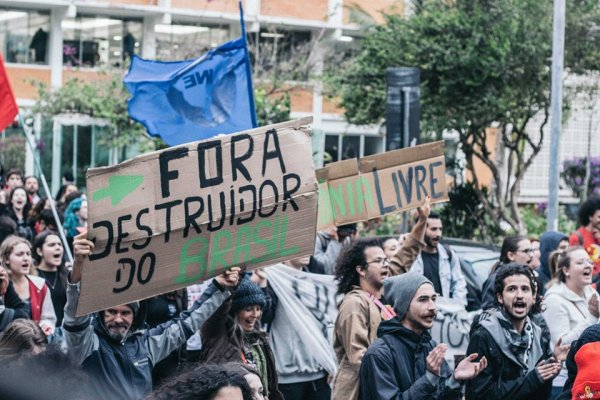 Estudantes da UFSC realizam ato exigindo não punição dos lutadores pela educação