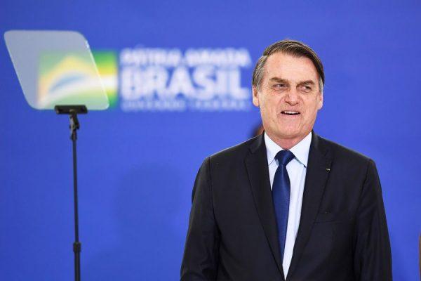 Bolsonaro lança Programa Verde Amarelo para explorar a juventude desempregada