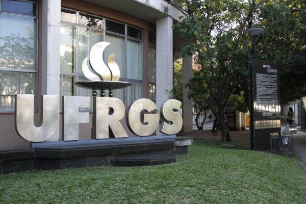 Ensino remoto aprovado pela UFRGS é rechaçado por 52% dos estudantes das particulares do RS