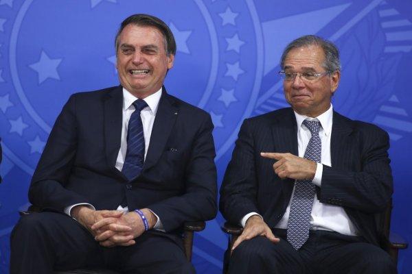 Bolsonaro dá aval para Guedes negociar imposto aos moldes da CPMF
