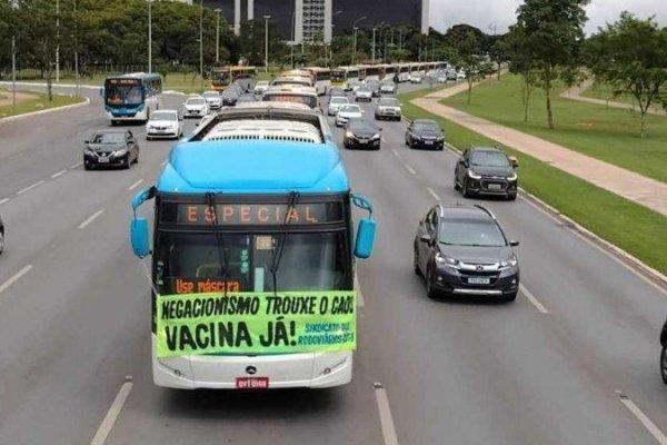 Vacina Já! Rodoviários do DF protestam por vacinas e contra negacionismo