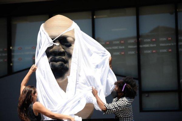 Neonazistas vandalizam estátuas que homenageiam George Floyd nos EUA