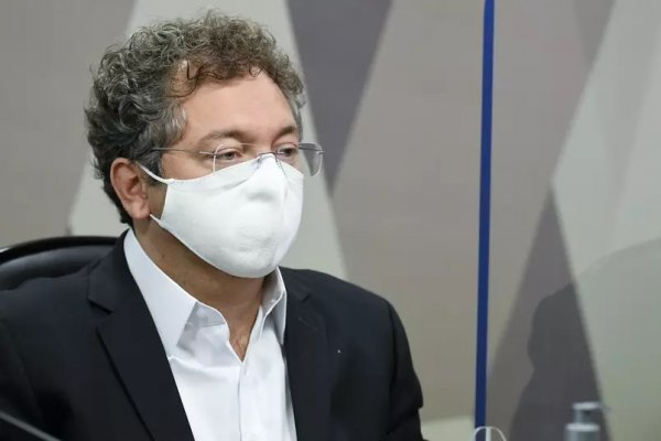 Dono da Precisa nega articulação com Barros e mantém silêncio em respostas no depoimento