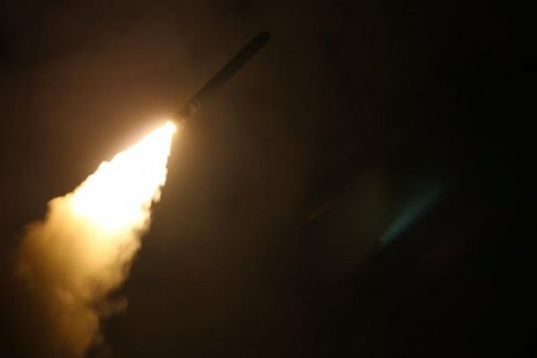 """Secretário-geral da OTAN diz que bombardeio na Síria foi um """"recado para a Rússia e o Irã"""""""