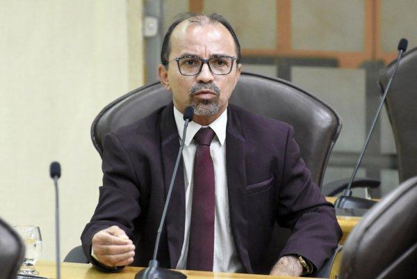 Abaixo o autoritarismo judiciário: TSE cassa mandato de Sandro Pimentel (PSOL-RN)