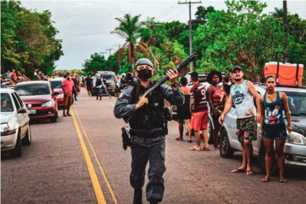 Apagão no Amapá provoca caos e revolta da população, respondida com forte repressão policial