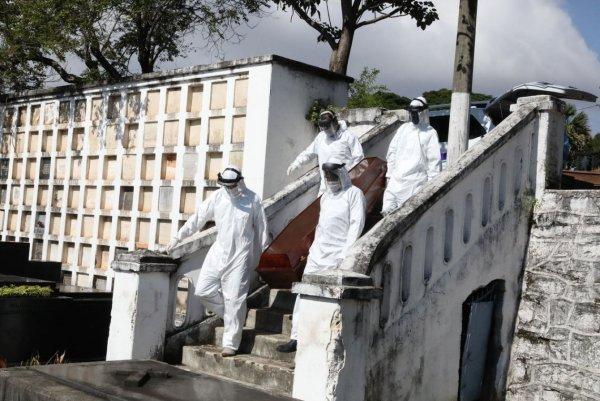 Ministério da Saúde prevê 3 mil mortes por dia na próxima semana