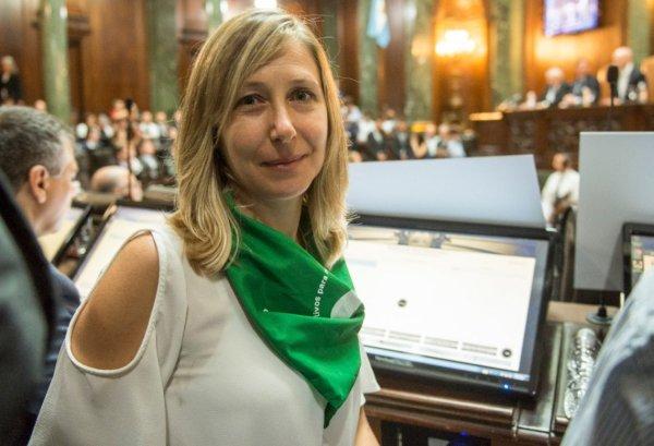 Deputada argentina Myriam Bregman repudia a visita de Bolsonaro e exige justiça por Marielle Franco