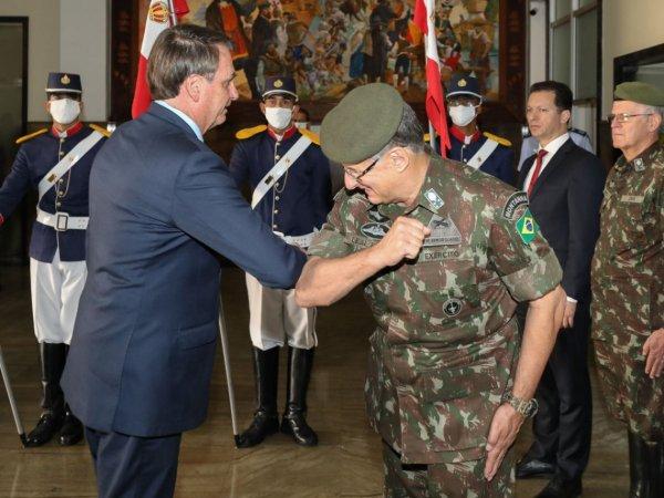 Fortalecendo autoritarismo, PGR defende que militares da ativa ocupem cargos de ministro