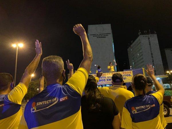 Contra privatização trabalhadores dos Correios votam paralisação no DF neste dia 18