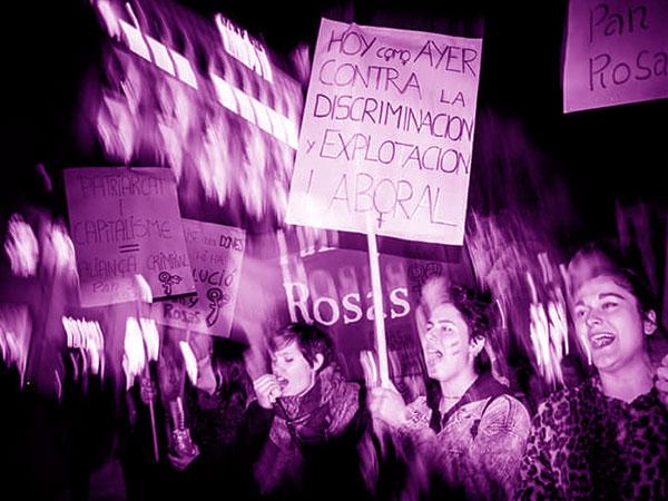 Milhares de mulheres saem às ruas no Estado Espanhol