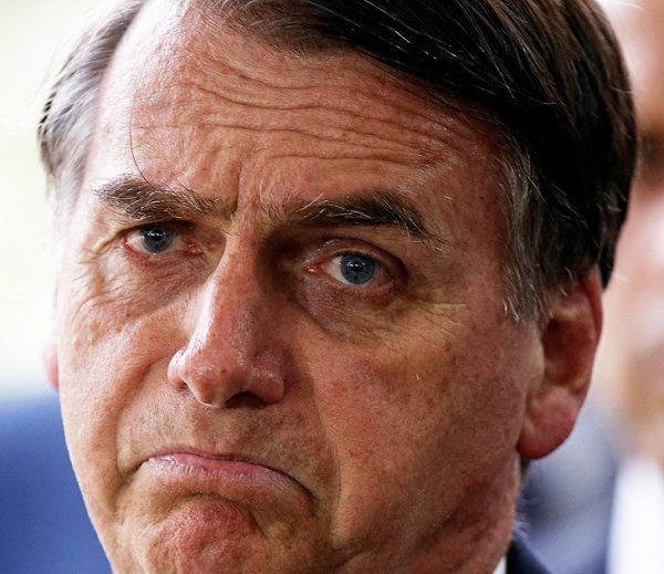 """Bolsonaro diz """"lamentar"""" a reforma que nos fará trabalhar até morrer"""